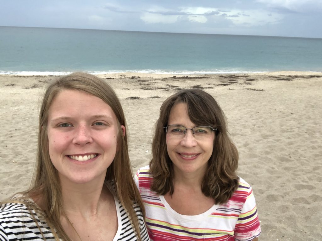 Jamie Siess and her mom on vacation